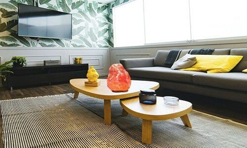 himalayan salt lamps-family room