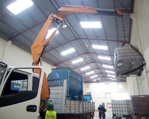 Lifting & relocating items-Truck-mounted cranes